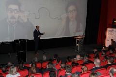 Nico Lüdemann referiert zu Transformational Leadership