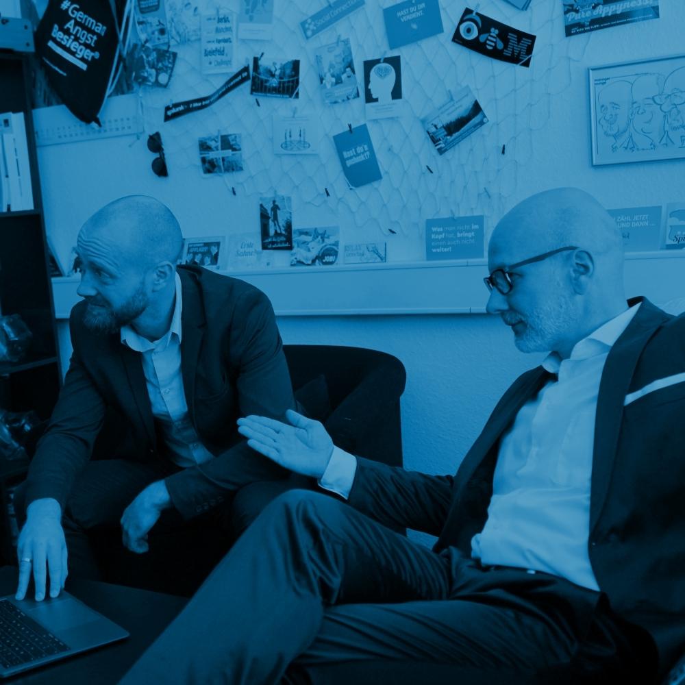 Individuelle digitale Strategien, um die Prozesse, die Teamarbeit und die Wertschöpfung in Unternehmen zukunftsfähig zu gestalten » bluecue digital strategies